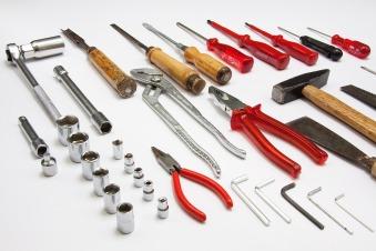 tool-379596_1920